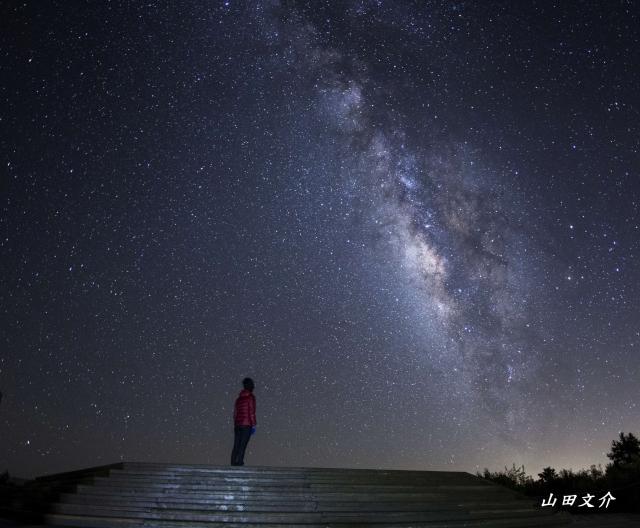 小笠原山觀銀河。