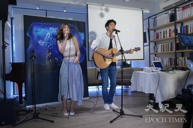 「The Lighters」萊特姐弟首張同名迷你創作專輯記者會15日在台北舉行。(記者黃宗茂/攝影)