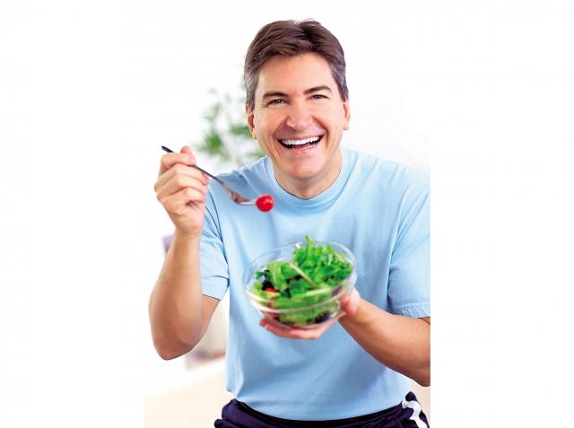 補充膳食纖維,最好不要單吃青菜或水果,蔬果搭配五穀才能攝取足夠的膳食纖維。(Fotolia)