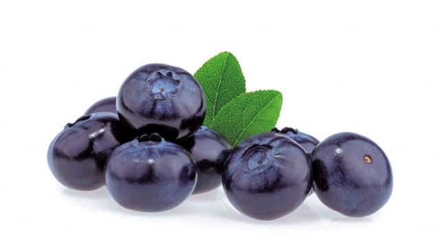 水果要直接吃全水果,不宜吃果乾或飲用果汁。(Fotolia)