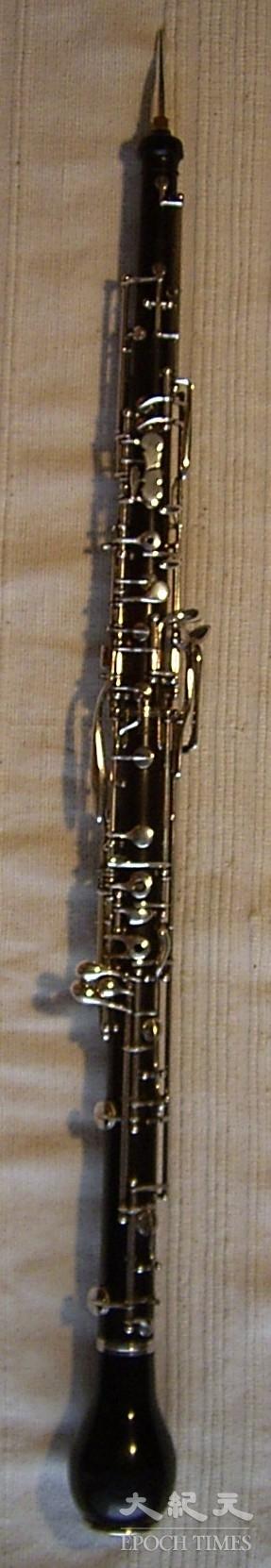 英國管比雙簧管音域低5度,適合夢幻的含蓄情調。其非管樂的基本樂器,也非出自英國,而是由原名Engellisches Horn(天使管)被後人簡化為English horn(英國管)。