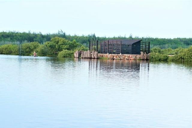 宜梧滯洪池,南北二池,水光瀲灩,有「雲林小明潭」之譽。(吳雁門/攝影)