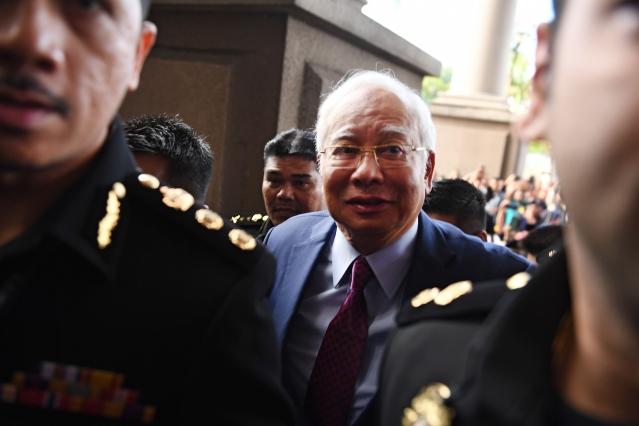 馬來西亞「一馬基金」(1MDB)疑似牽涉馬中兩國的行賄醜聞,引發馬國政府介入調查,至今已有3項、高達223億美元(約6,690億台幣)的合作案停擺。圖為大馬前首相納吉(Najib Razak)。(Getty Images)