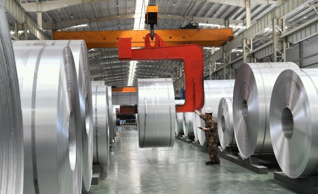USTR週一發出的聲明指出,美國總統川普為保護美國國家安全徵收的鋼鋁稅符合國際協定,而上述五個WTO成員國對美國產品徵收的反報復關稅做法,則「完全沒有根據國際規則」。(AFP)