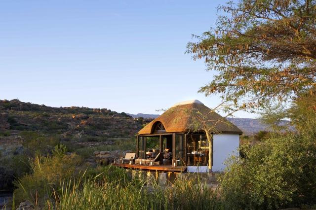 南非賽德山山腳度假村中充滿綠意的花園。(Booking.com提供)