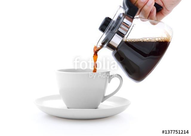 咖啡的濃淡卻可以隨著飲者的身體狀況和心情,調配出千山萬水般不同的柔情,這正是喝熟豆研磨咖啡最棒的一種情調。(Fotolia)