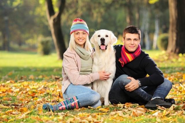 研究顯示,養寵物的人在異性眼中更有親和力。(Fotolia)