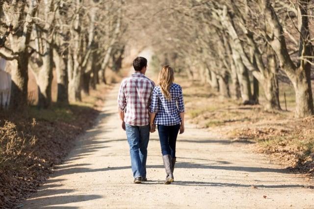 研究表明,婚姻關係穩定的夫婦,多數時間都在「迎合彼此」。(Fotolia)