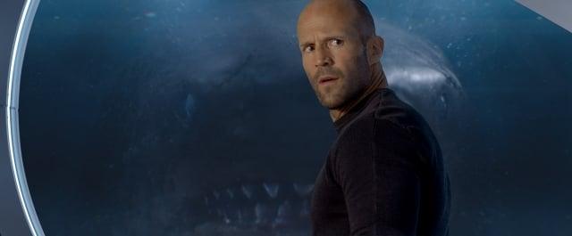 《巨齒鯊》電影劇照。(華納兄弟提供)
