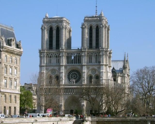 巴黎聖母院面臨的維修費用約新台幣543億元,只能支撐3年。(維基百科)