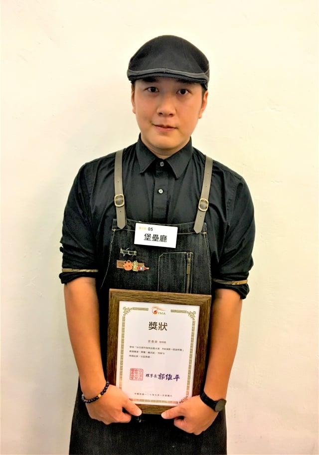 金盃獎義式組獲獎店家「堡壘廳」,參賽咖啡師:周新翔。