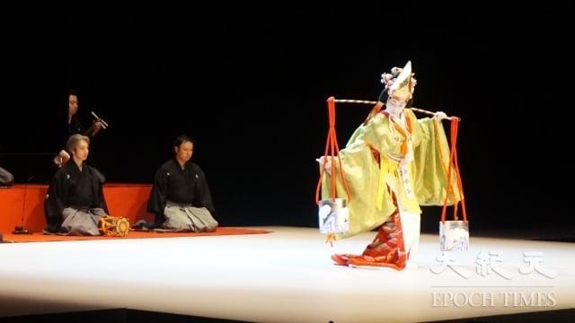 《繡襦夢》的第二段為能劇演出知名作品《汐汲》。