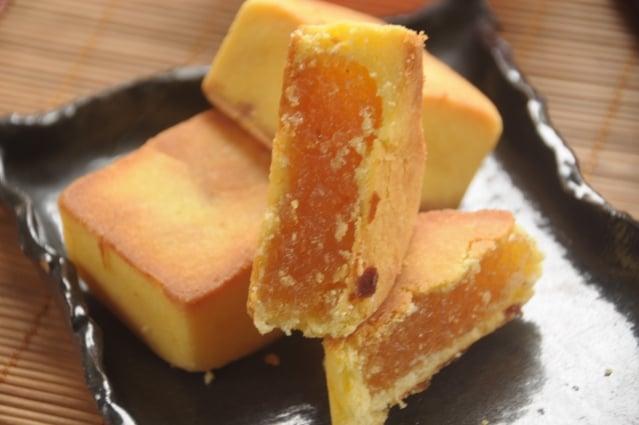 鳳梨酥選用花蓮在地的土鳳梨,無添加色素、人工香料,保留最單純的美味。(記者詹亦菱/攝影)
