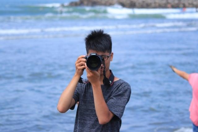 熱愛攝影的陳立杰,以攝影鏡頭看世界。(攝影/陳立杰)
