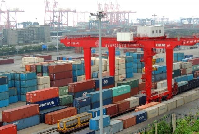 台經院表示,未來美中貿易戰是影響第4季經濟景氣的關鍵,對台灣來說是短空長多、因禍得福。圖為示意圖。(大紀元資料庫)