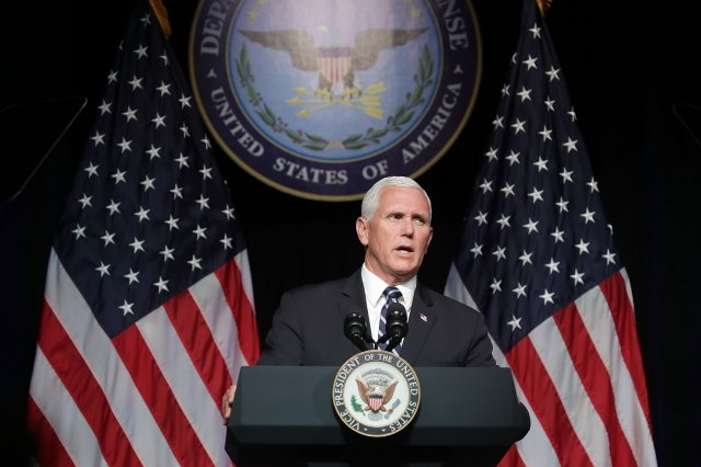 美國副總統彭斯除了將譴責中共試圖干預美國選舉和全球政治,還說只有台灣的民主制度才是對所有中國人的最佳選擇。(Chip Somodevilla/Getty Images)