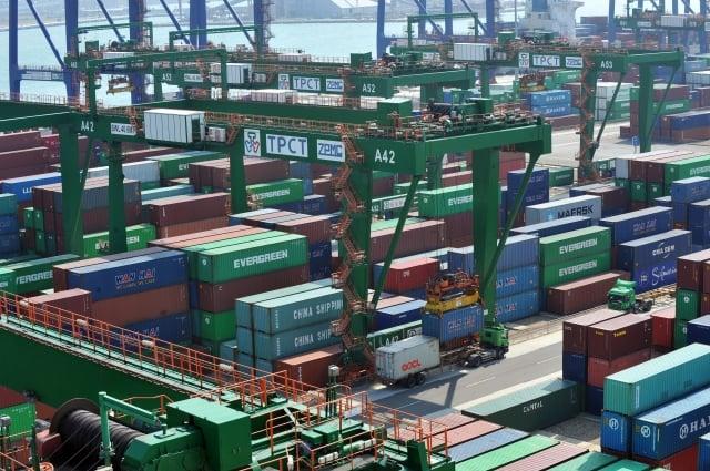財政部8日公布9月海關進出口貿易初步統計,出口連23個月正成長,金額則創歷年單月次高。(Getty Images)