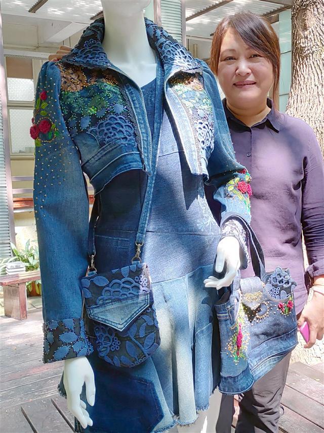運用蕾絲,手作舊牛仔褲變成個性又時尚的牛仔套裝。  (攝影/賴友容)
