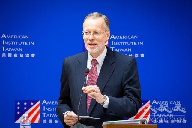 關於台積電創辦人張忠謀出任今年台灣APEC領袖代表,美國在台協會(AIT)處長酈英傑(Brent Christensen)31日表示,張忠謀代表台灣許多優良的特質,也是受到台灣各界尊重的領袖人物,這是非常激勵人心的選擇。(記者陳柏州/攝影)