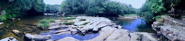 碧綠虎豹潭全景。(攝影/朱孝貞)