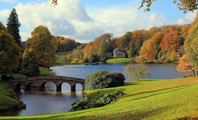 斯托海德園林的秋色猶如風景畫。 (Getty Images、Fotolia )
