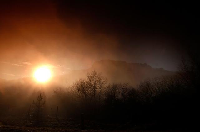 《聖經》末日預言接二連三的實現,不免讓人思考,世界末日真的要來了嗎?圖為示意照。(Patrick Aventurier/Getty Images)