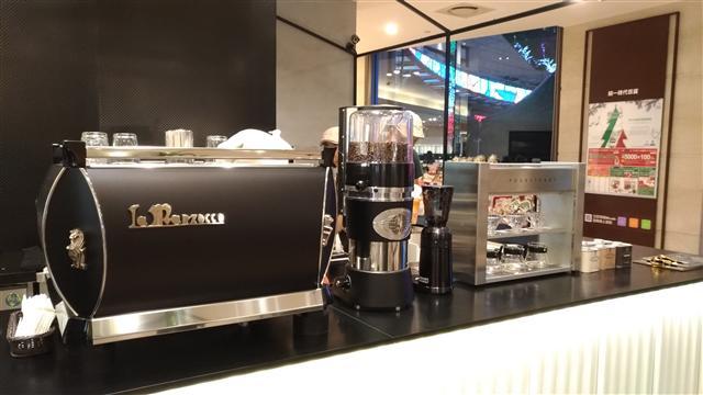 Poursteady 3D手沖咖啡機。(記者林蘇菲/攝影)