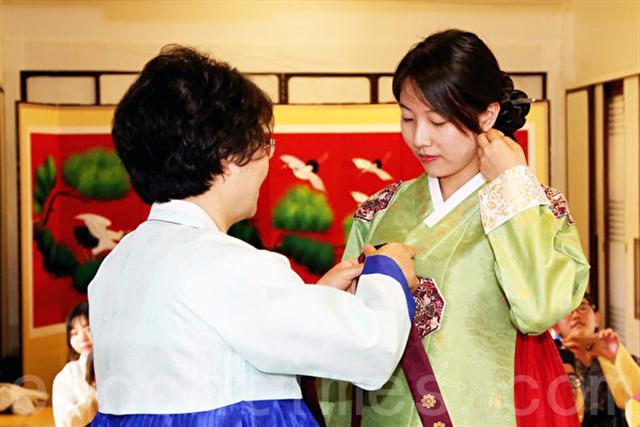 到韓國人家做客須注意哪些禮儀?(全宇/大紀元)
