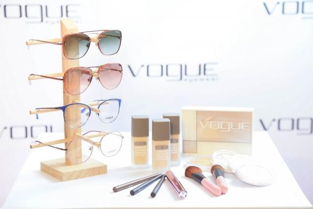 框架設計流行復古造型,如貓眼、幾何圖形和不規則圓框造型。(Vogue Eyewear提供)