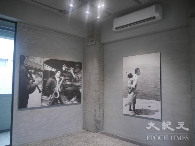 金馬賓館3樓目前展出台灣知名攝影師阮義忠攝影展。(記者方金媛/攝影)
