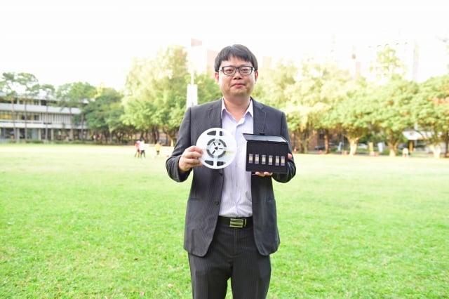 中原大學電子系陳世綸教授實現台灣電子關鍵零組件自主,榮獲經濟部「國家發明創作獎」金牌!