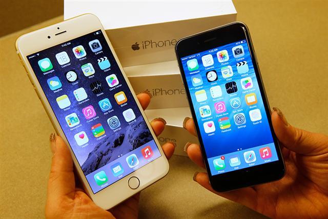 中國法院裁定,以侵犯高通兩項專利為由,將禁止七款涉及專利爭議的蘋果iPhone在中國銷售。(George Frey/Getty Images)