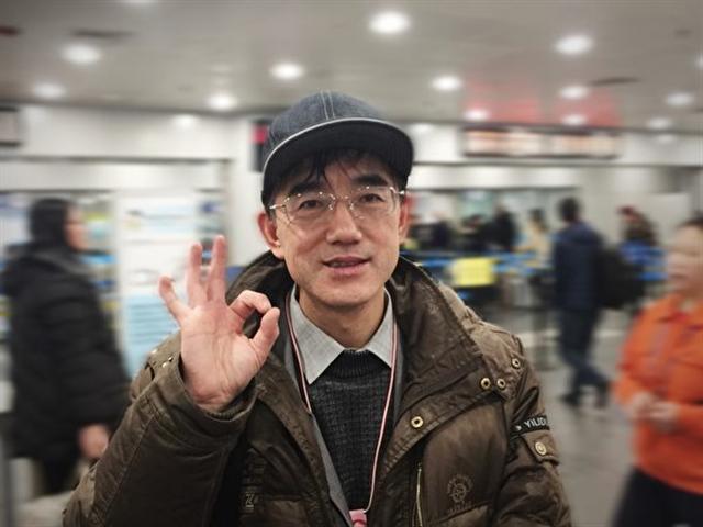 孫毅在北京首都機場留影。(孫毅提供)