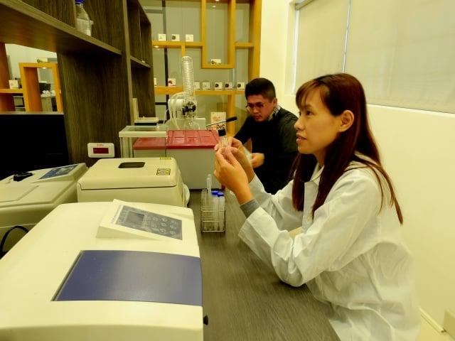 2017年行政院農業委員會委託皓悅生技進行專業研究計畫,在林宗岐教授的指導下組成研究團隊展開複合生物防治技術應用與產品開發。