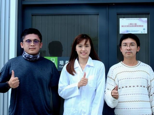 皓悅生技研究團隊(左起) 施鈞瀚、王筱菁、鍾元凱。(記者鄧玫玲/攝影)