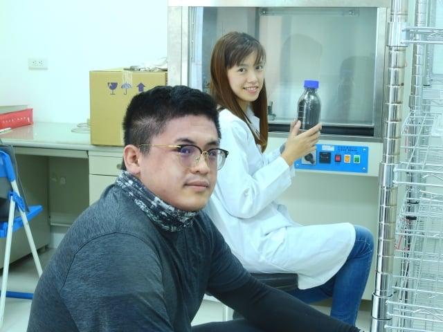 皓悅生技研究製作成功的病毒顆粒,不是化學藥劑,對人類沒有任何危害,也不會汙染自然環境,這是當前真正能防治紅火蟻的最好方法。