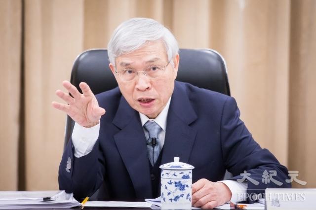 市場預估美國聯準會(Fed)升息力道將減弱。彭博(Bloomberg News)專文指出,台灣中央銀行可能已經錯失防禦性升息的機會之窗。圖為央行總裁楊金龍。(記者陳柏州/攝影)