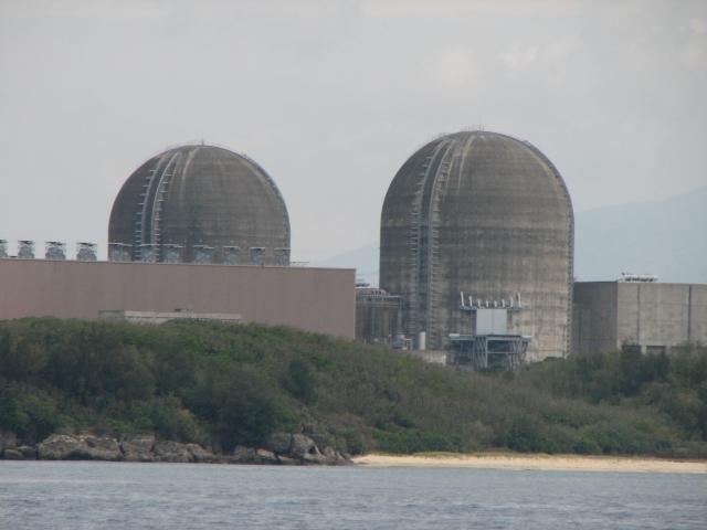 核三廠2號機目前還在進行歲修,1號機日前停機檢修於18日重新啟動。(維基百科)