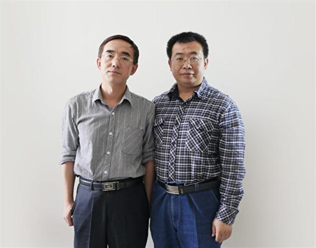 2016年6月,孫毅與代理律師江天勇合影。(孫毅提供)