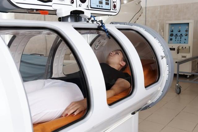 高壓氧原本是用來治療含氧量減少、血液循環差、組織壞死等症狀之疾病。(123RF)