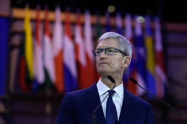 美國科技巨擘蘋果公司執行長庫克(Tim Cook)在週三致信給投資者,指由於中國需求放緩,下調該公司第一季財測。圖為資料照。(AFP)