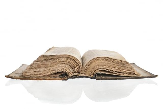 美國德州男子豪斯的房屋遭遇火災,而他屋內的一本《聖經》卻未被燒毀。圖為《聖經》,與本文無關。(Fotolia)