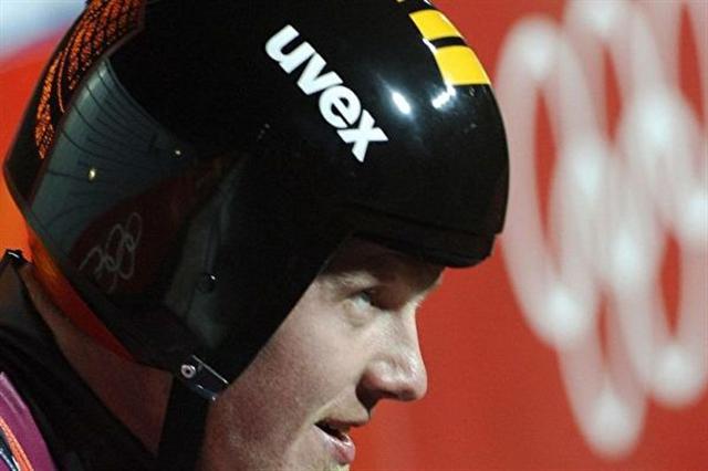 2006年2月12日,魯貝尼斯在杜林冬奧會比賽中。(ERIC FEFERBERG/AFP/Getty Images)