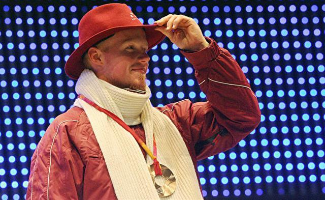 馬汀斯‧魯貝尼斯在2006年杜林冬奧會的頒獎儀式上。(Thomas Coex/AFP/Getty Images)