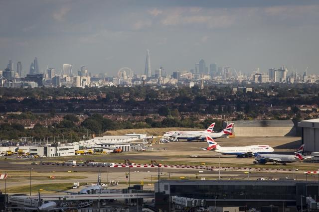 機場附近發現有無人機干擾!英國倫敦希斯洛機場為此將所有航班停飛。圖為希斯洛機場資料照。(Jack Taylor/Getty Images)