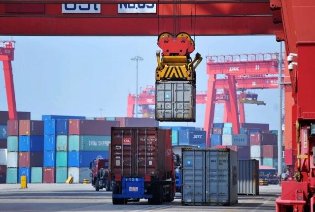 中國海關總署14日公布最新數據,大陸去年12月進口年增率為-7.6%(按美元計),出口年增率-4.4%,均遠遜於預期。圖為示意照。(Getty Images)