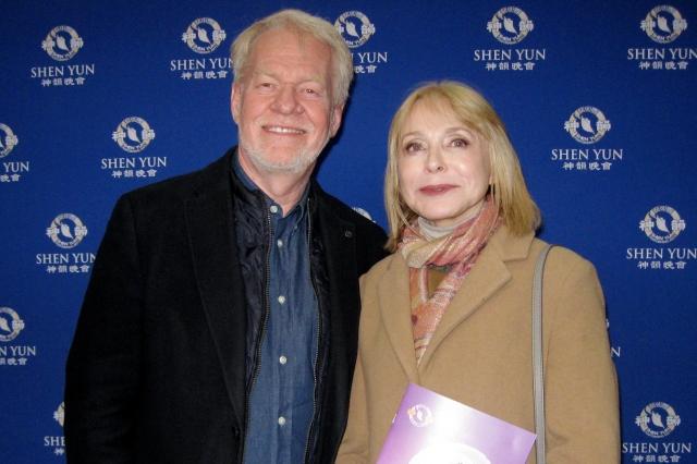 電影電視製作人和導演Leif Bristow(左)。(新唐人電視台)