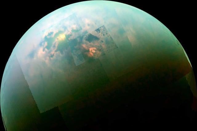 泰坦(Titan,土衛六)的觀測影像。(NASA/JPL/Univ. Arizona/Univ. Idaho)