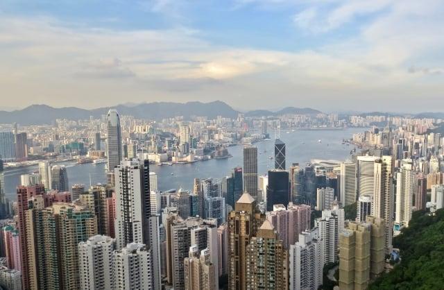 香港回歸後,不少港人對前途感到憂慮,決心移居外地。圖為香港市容。(pixabay)