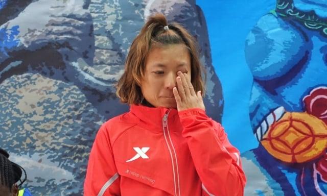 選手蘇鳳婷表示,為成績進步感到開心,但回想當初艱辛的訓練過程,還是有點想哭。